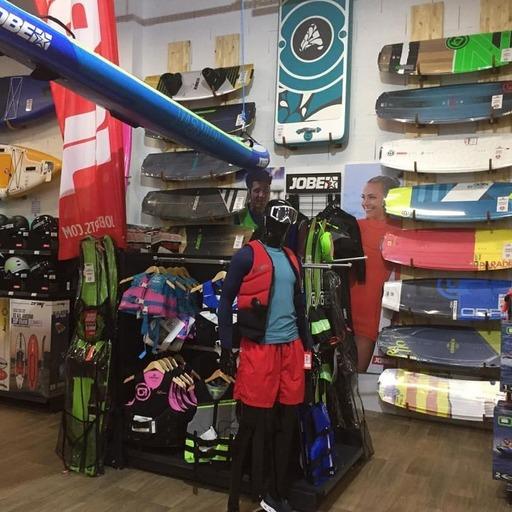 Le magasin Sports Nautic à Pruniers-en-SologneDisposant d'une très large gamme de Produits Obrien.Vous pourrez y trouver tout ce qui est en rapport avec le sport.Toutes leurs équipes n'attend que vous !Site internet : https://sports-nautic.frPromo Black friday à voir directement sur leur site.